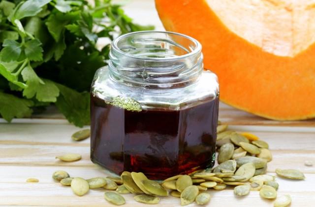 Тыквенное масло польза и вред, как принимать, свойства и противопоказания