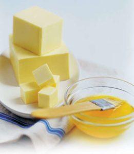 Топленое масло: полезные свойства для здоровья человека и ценные качества, применение в кулинарии, медицине и косметологии