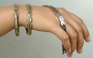 Польза от браслетов с магнитами