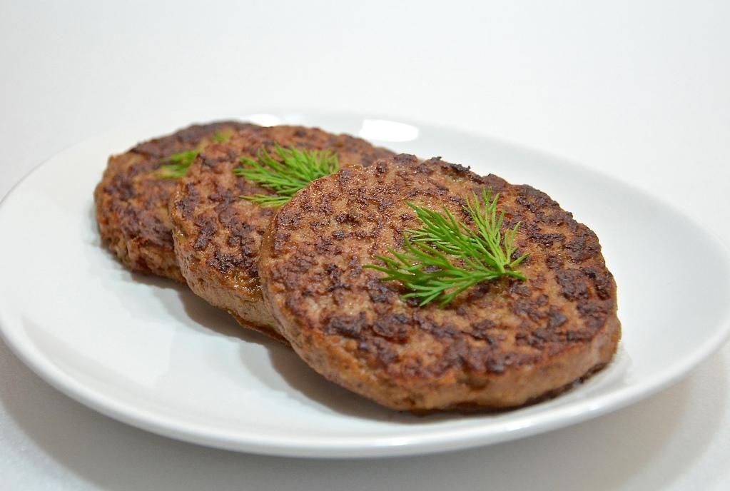 Что полезнее Печень говяжья или Печень свиная? Сравнительная таблица.
