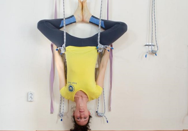 Стойка на голове йога техника выполнения