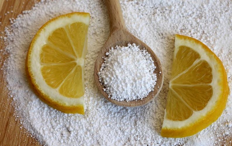 Пить воду с лимонной кислотой: можно ли и полезно ли, что будет, если выпить много разбавленной порошком H2O?