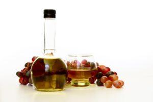 Виноградный уксус: польза и вред, рецепт, как принимать для здоровья