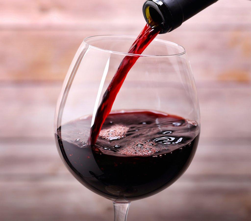 Полезность красного сухого вина