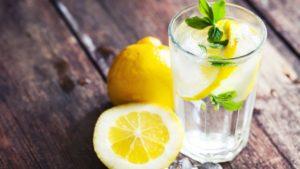 Вода с лимоном для похудения – польза и вред