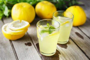 Вода с лимоном на ночь польза