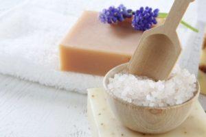Морская соль для ванны: польза и вред, рецепты ванн, как принимать
