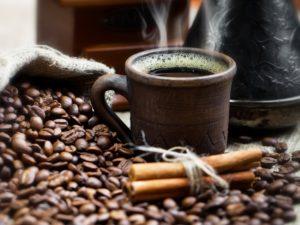 Чем вредно пить кофе