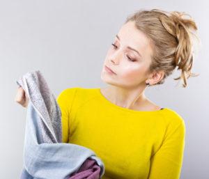 Чем отстирать чай с белой одежды