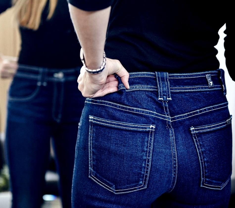 Ушить джинсы по среднему шву