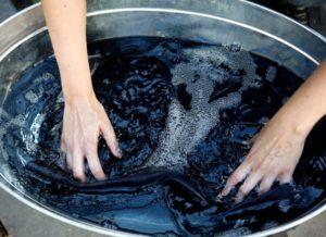 Как черные джинсы сделать серыми