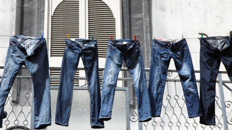 Как быстро высушить штаны после стирки или дождя