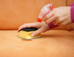 Чем отмыть гуашь с мебели