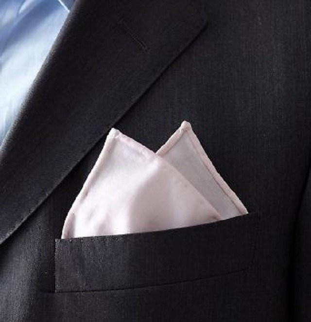 платок в кармашке пиджака картинки ищут какой-то