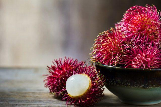 Рамбутан фрукт - как его едят? Рамбутан и Личи разница