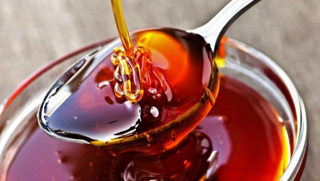 Мед дягилевый цвет